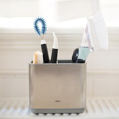 gootsteen-schoonmaken-organizer-borstels